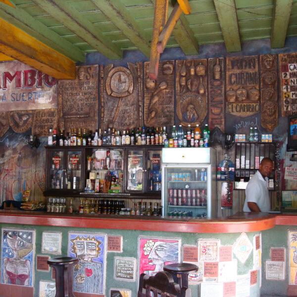 Bar El Cambio - Camagüey - Cuba