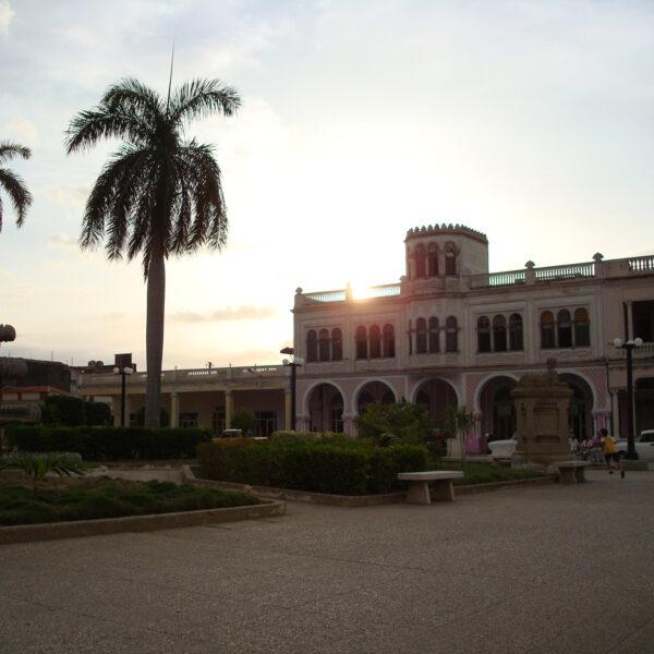 Edificio Quirch - Manzanillo - Cuba