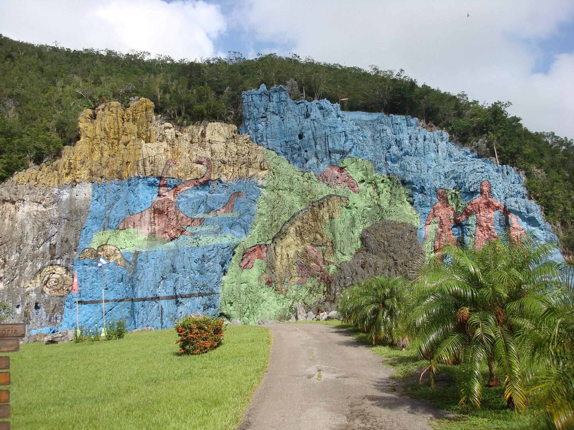 Mural de la prehistoria in valle de vi ales cuba for Mural de la prehistoria cuba