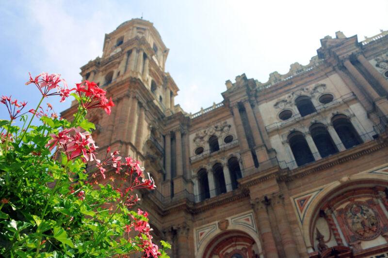 De stad Malaga en de airport: de ideale bestemming?
