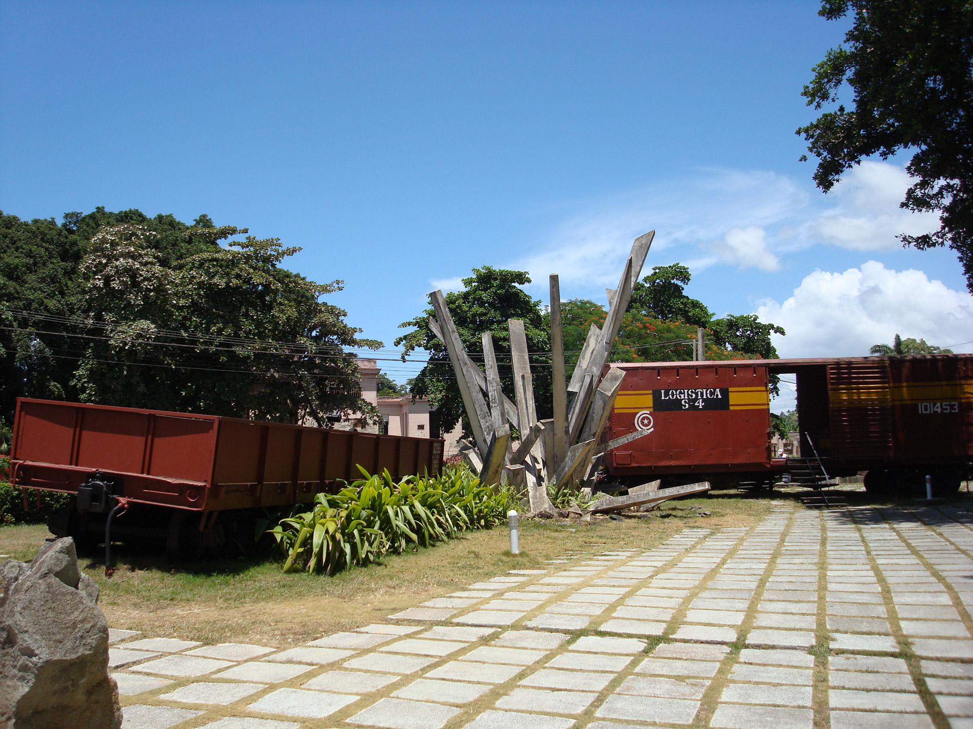 Must sees Cuba - Santa Clara - Tren Blindado monument
