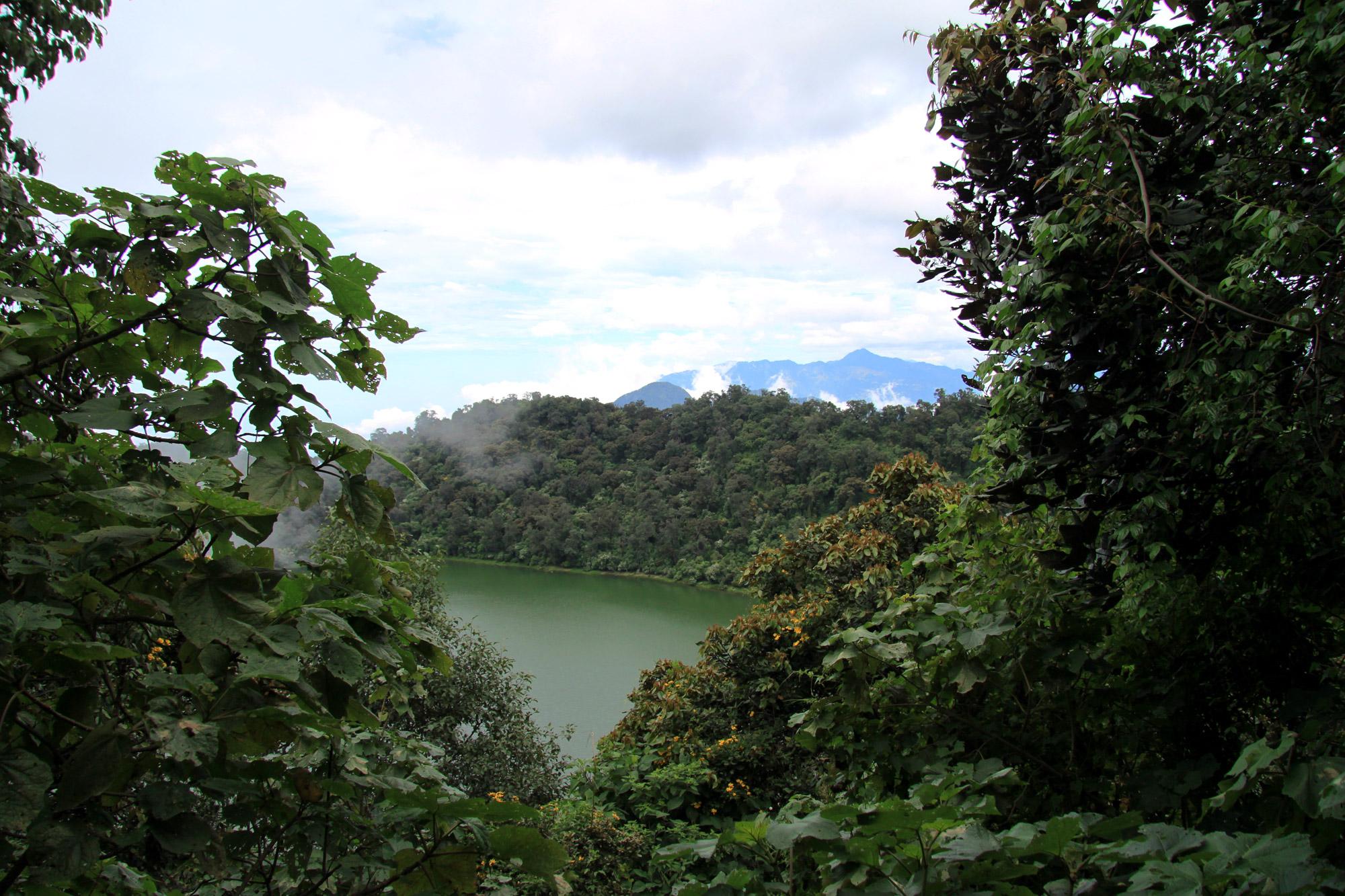 Guatemala 2015 - dag 12 - Een blik op het kratermeer van Volcán Chicabal