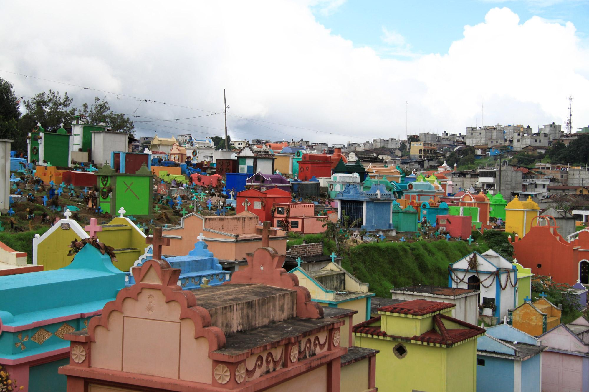Guatemala 2015 - dag 16 - Kleurrijke begraafplaats in Chichicastenango