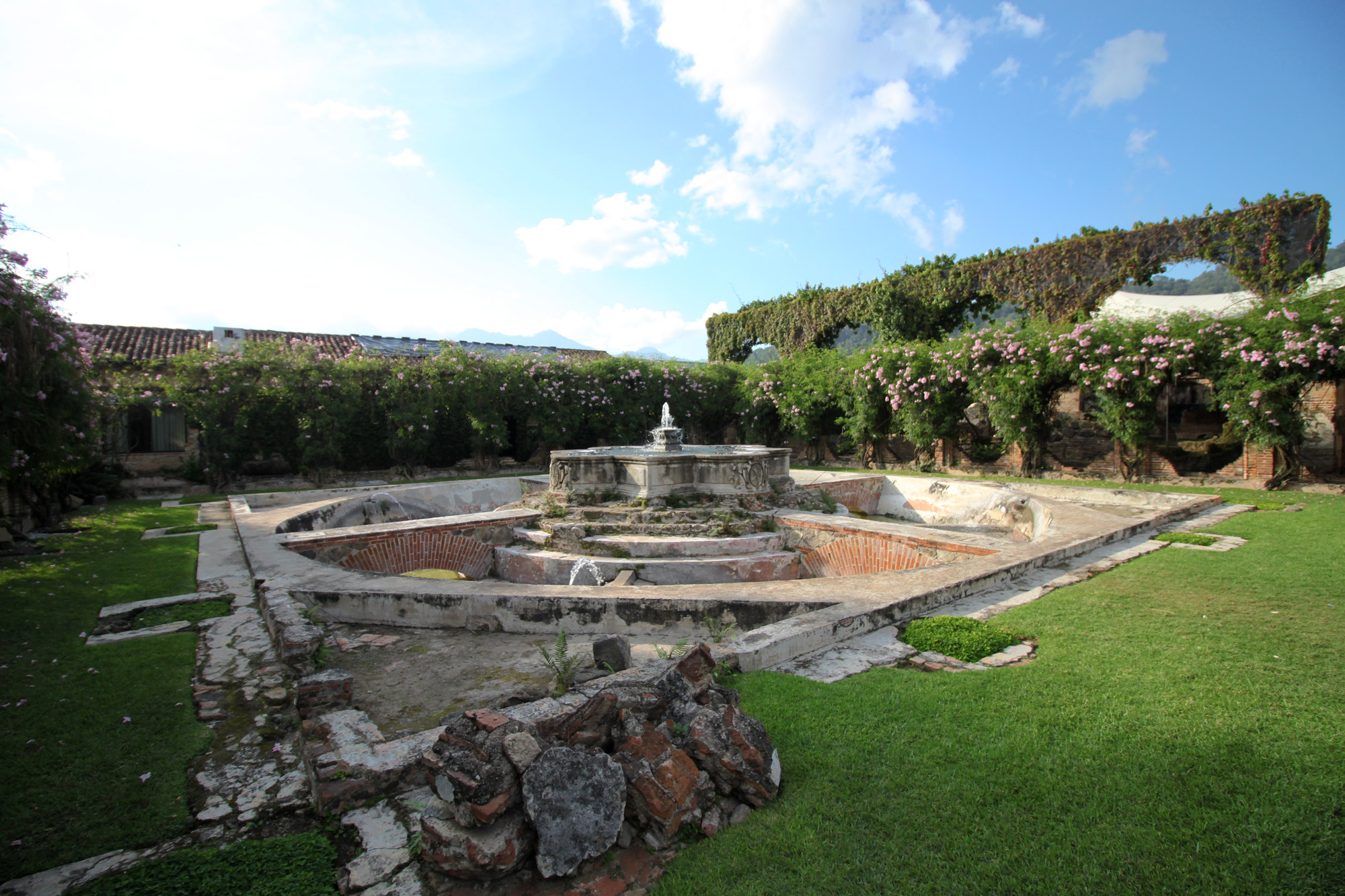 Guatemala 2015 - dag 3 - Casa Santa Domingo in Antigua