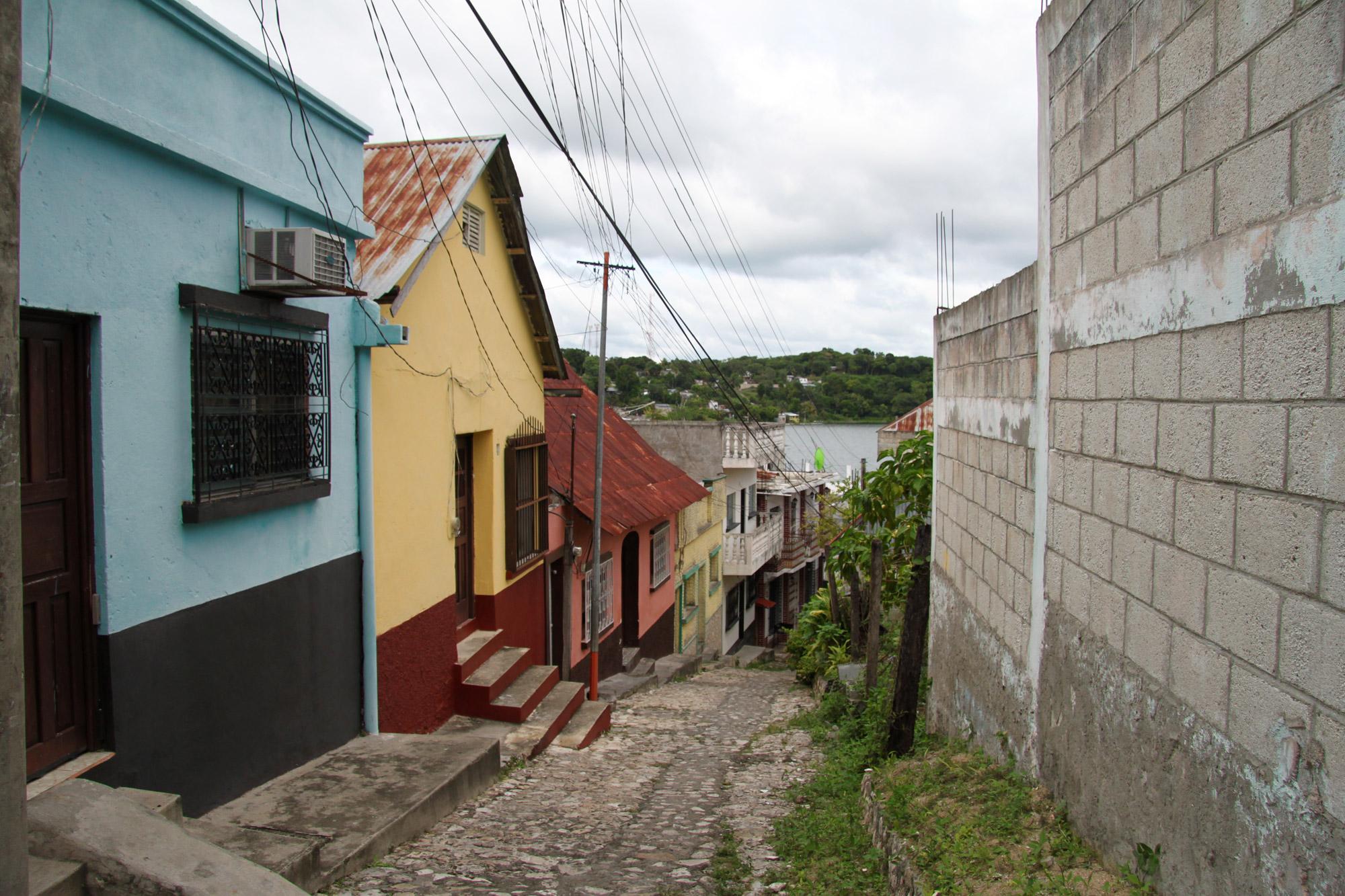 Guatemala 2015 - dag 9 - Het straatbeeld van Flores