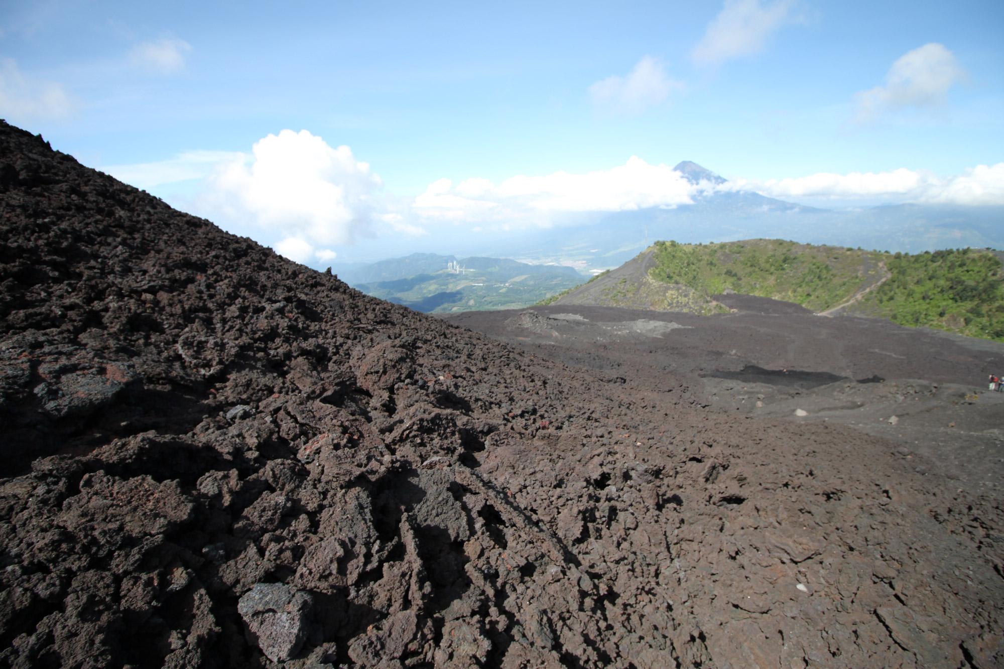volcan pacaya stoot weer lava uit