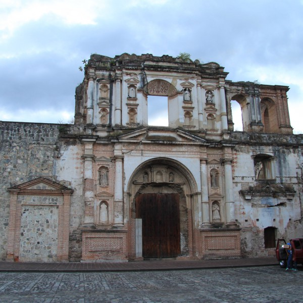 Iglesia y Convento de la Compañia de Jesús - Antigua - Guatemala