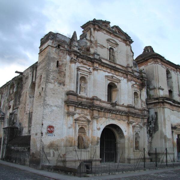 Iglesia y Convento de San Agustin - Antigua - Guatemala