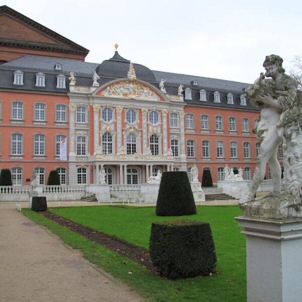 Kurfürstliche Palais - Trier - Duitsland