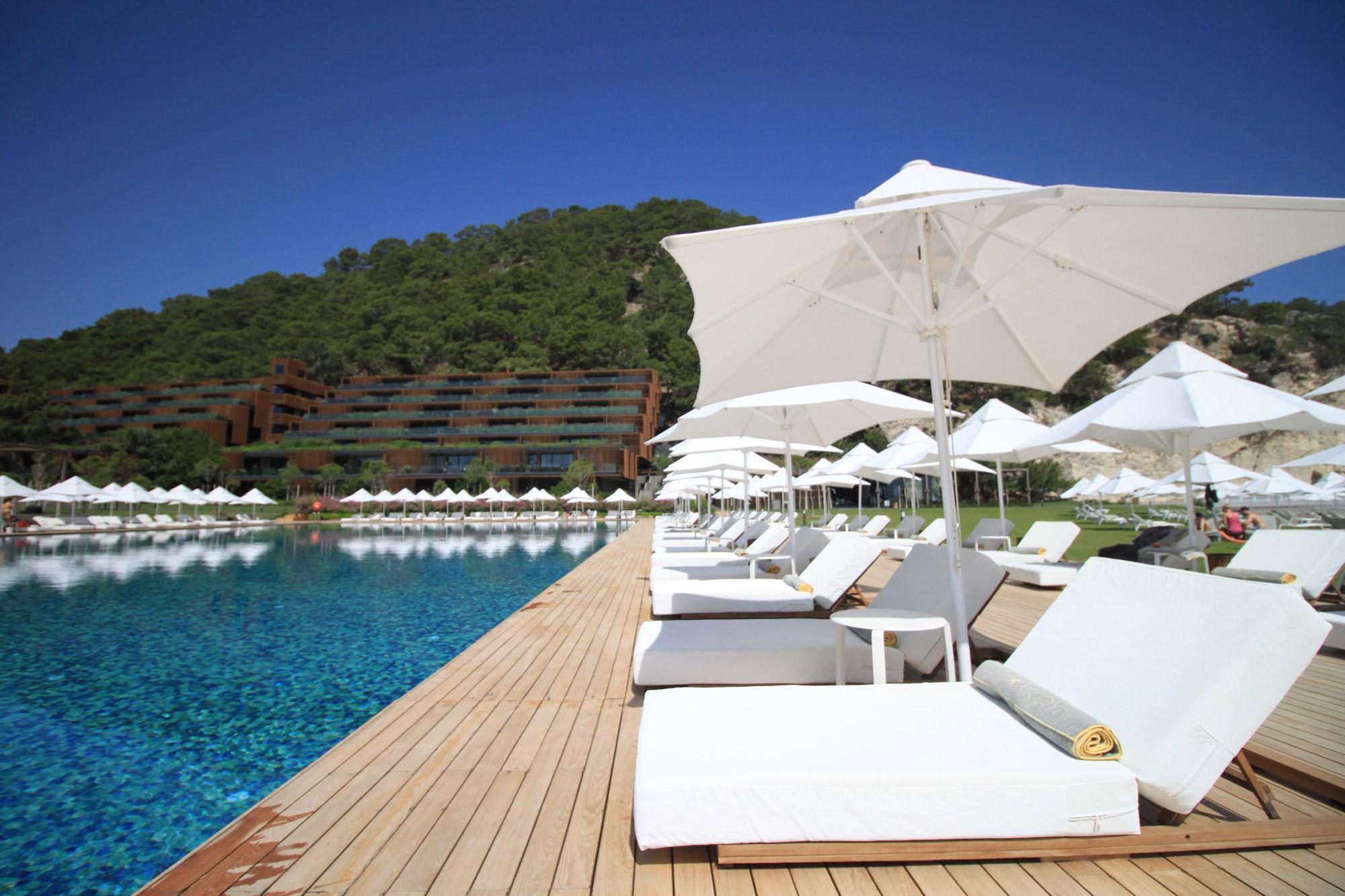 Weekje Maxx Royal Kemer Resort - Relaxen aan het zwembad