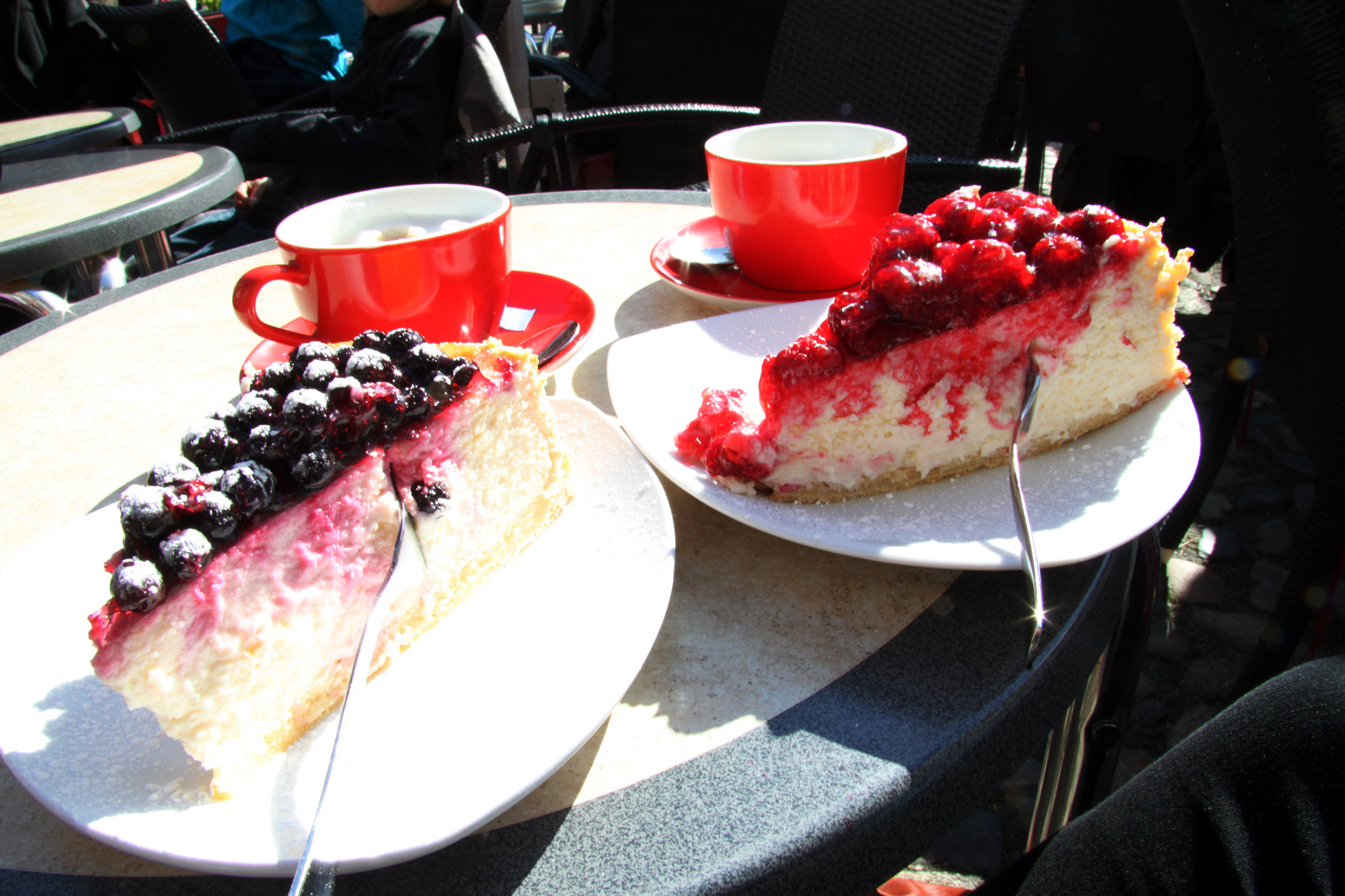 Top 5 must-do's in Quedlinburg - Käsekuchen eten bij Café Vincent