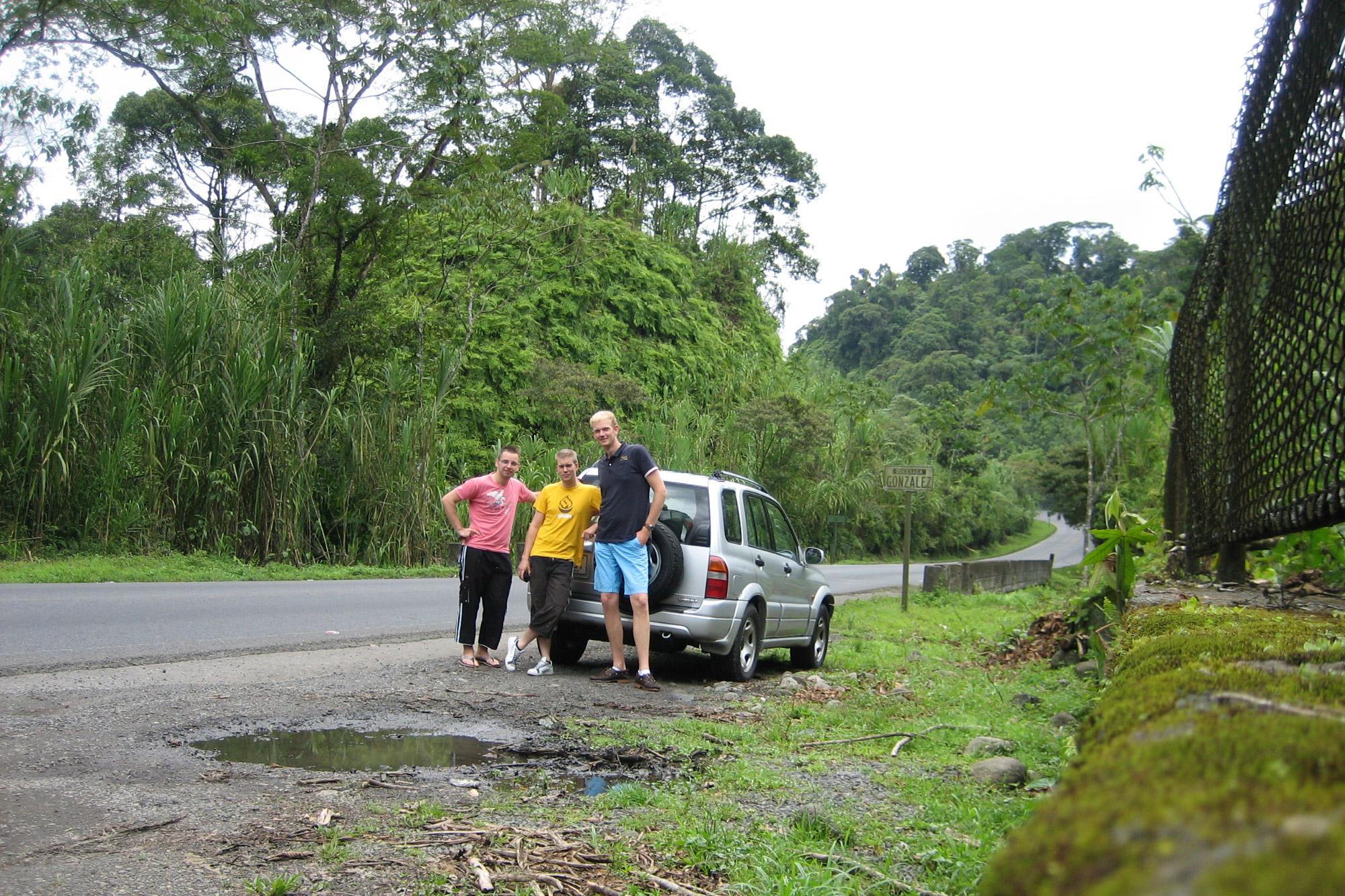5 reden om naar Costa Rica te reizen - Gemakkelijk zelf te reizen: huur een 4x4 auto
