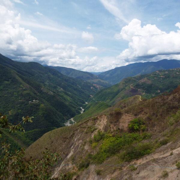 El Camino a los Yungas - Death Road - Bolivia