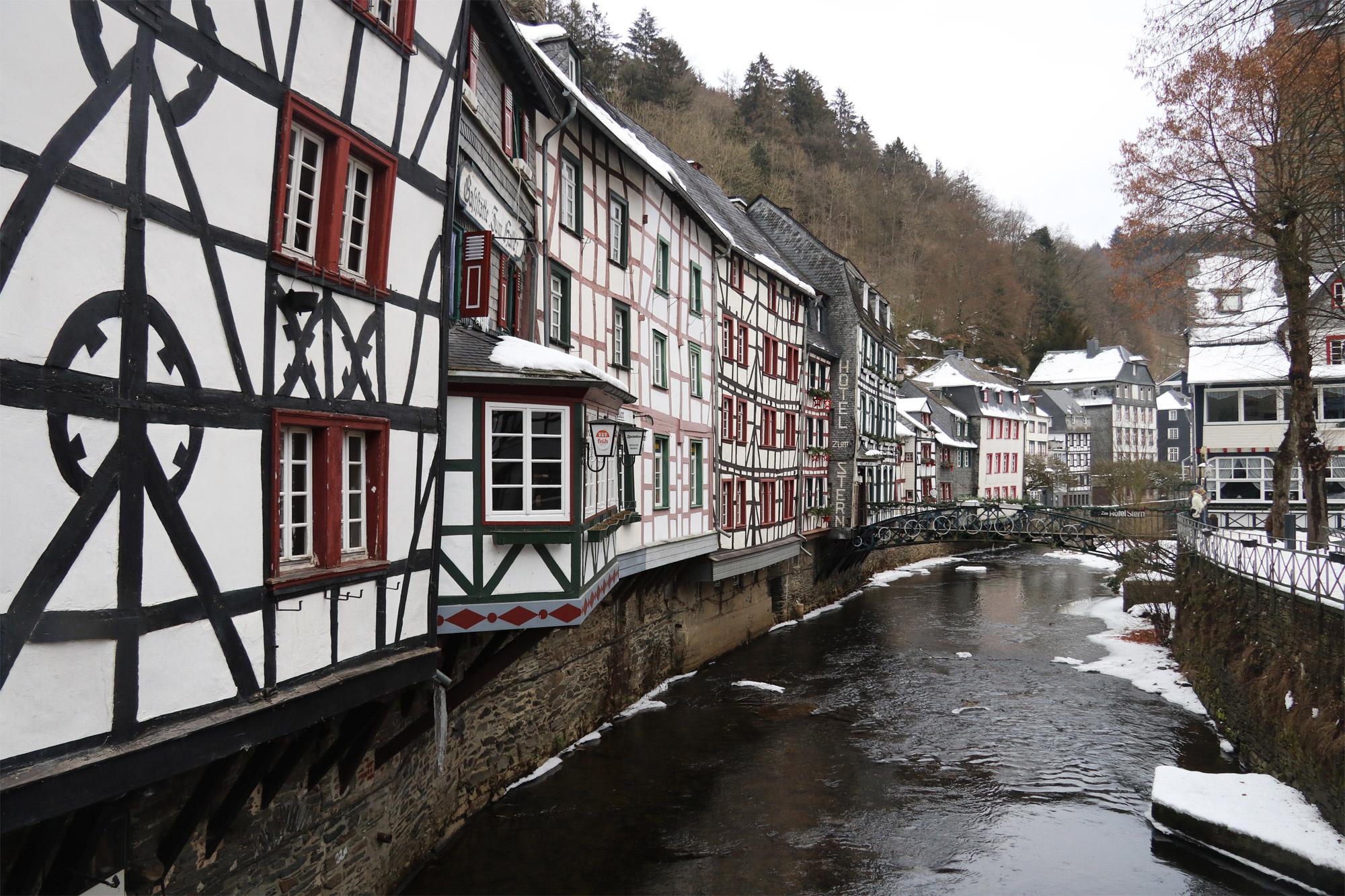 Weekendje in Monschau in 10 beelden - Blik vanaf de markt
