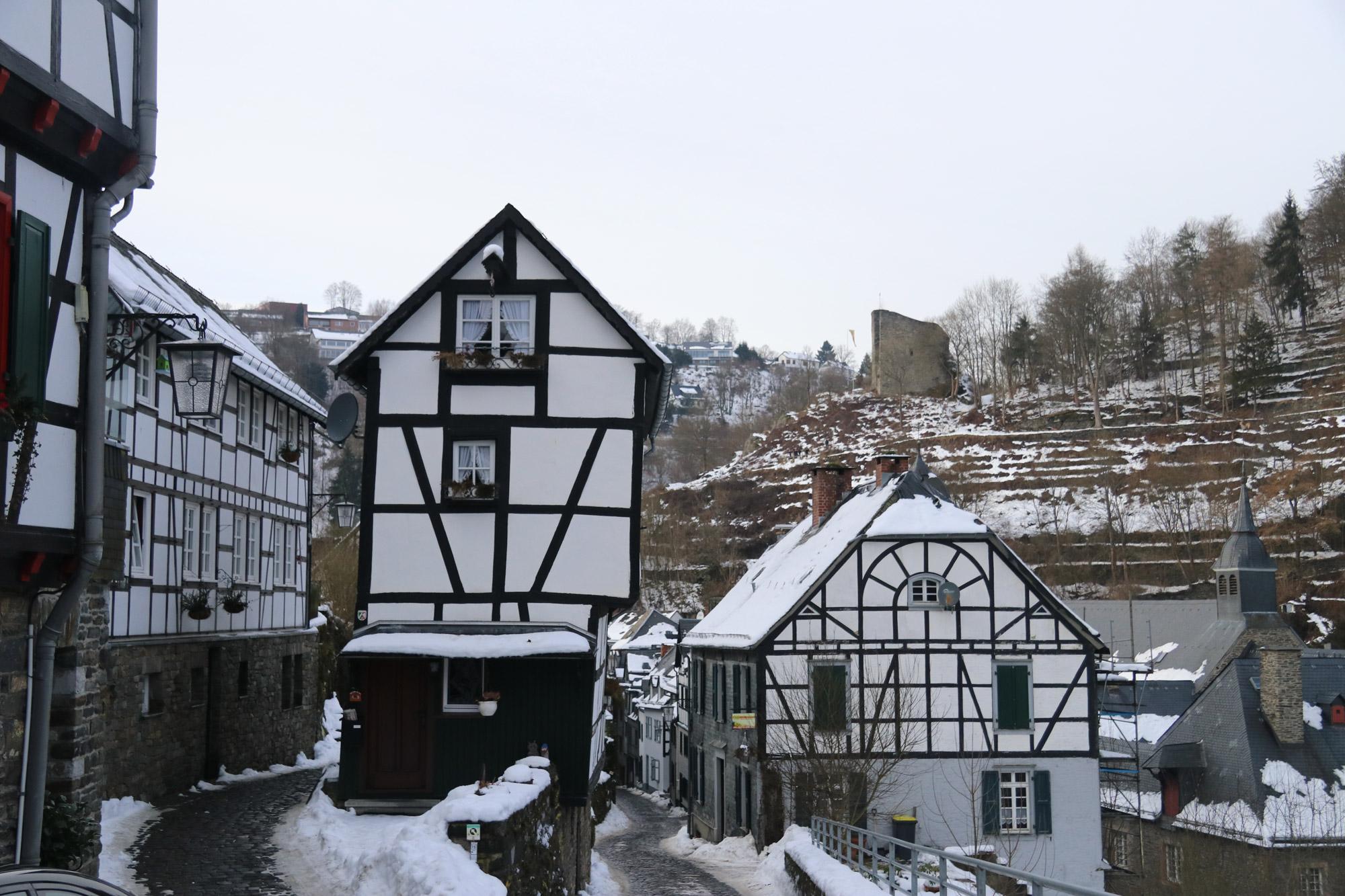 Weekendje in Monschau in 10 beelden - Fraaie architectuur met oude vakwerkhuizen