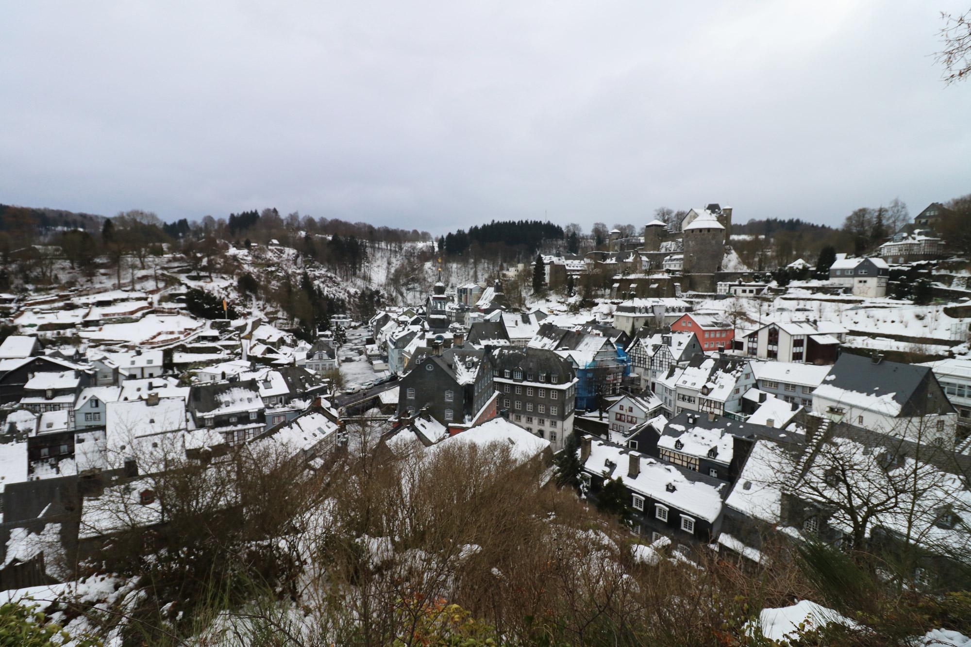 Stedentrip Monschau - Uitzicht vanaf de Haller Ruïne