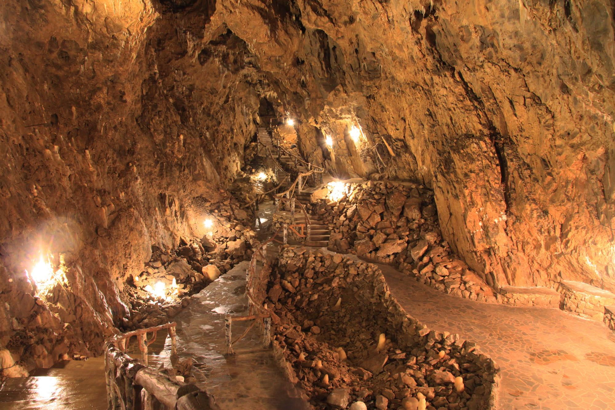 Top 5 must do's in Dinant - Wandel door de Grotte La Merveilleuse