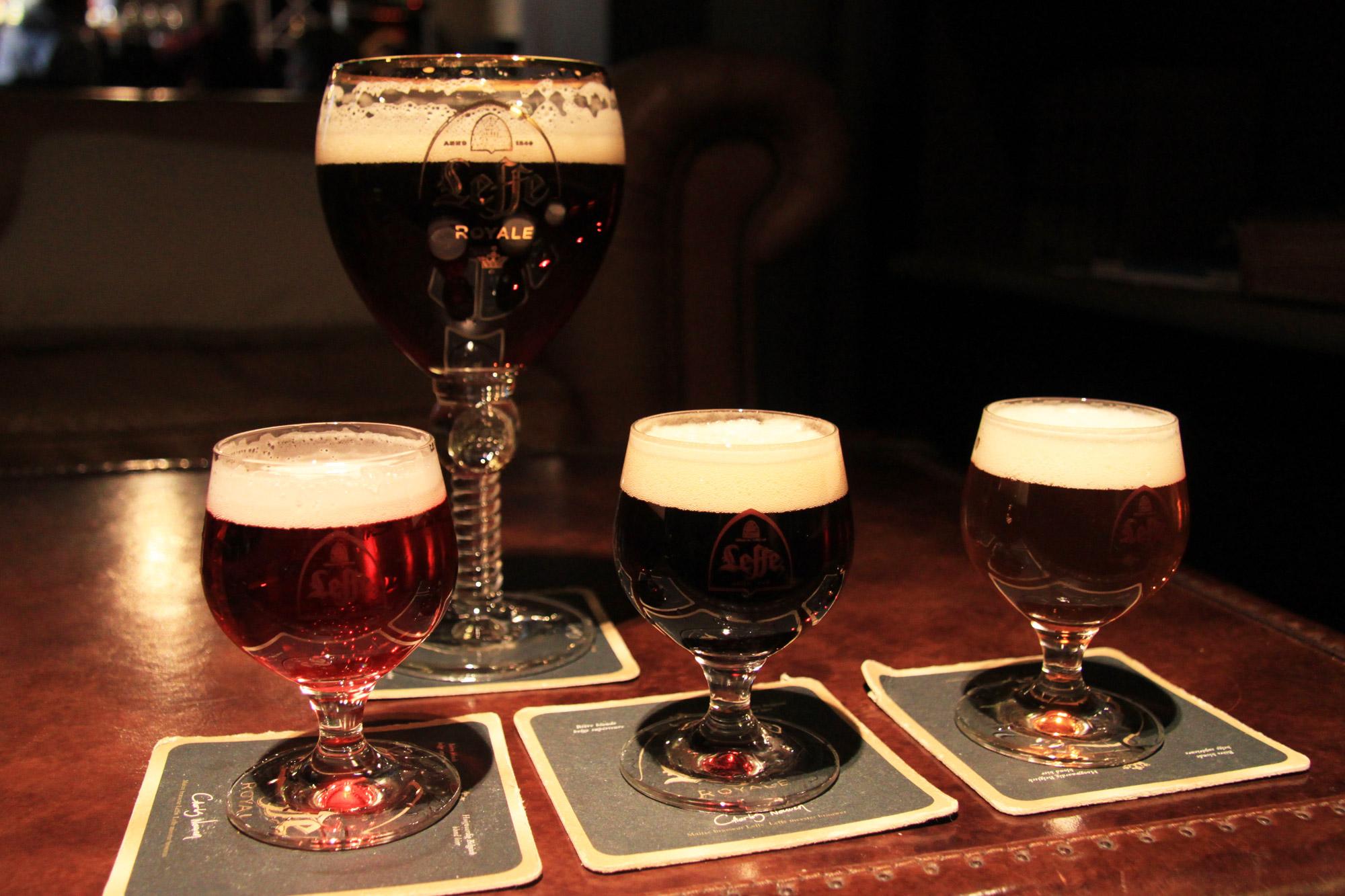 Top 5 must do's in Dinant - Geniet van een Leffe biertje na een rondleiding door het museum