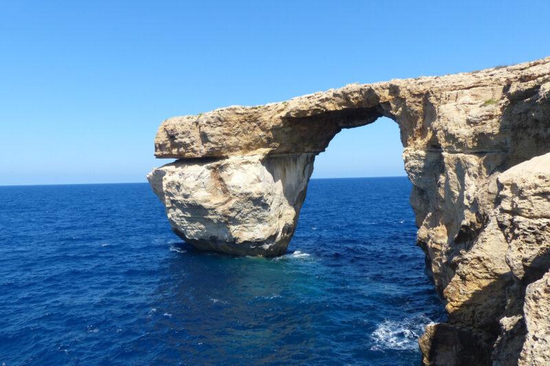 Tieqa tad-Dwejra opgeslokt door de zee