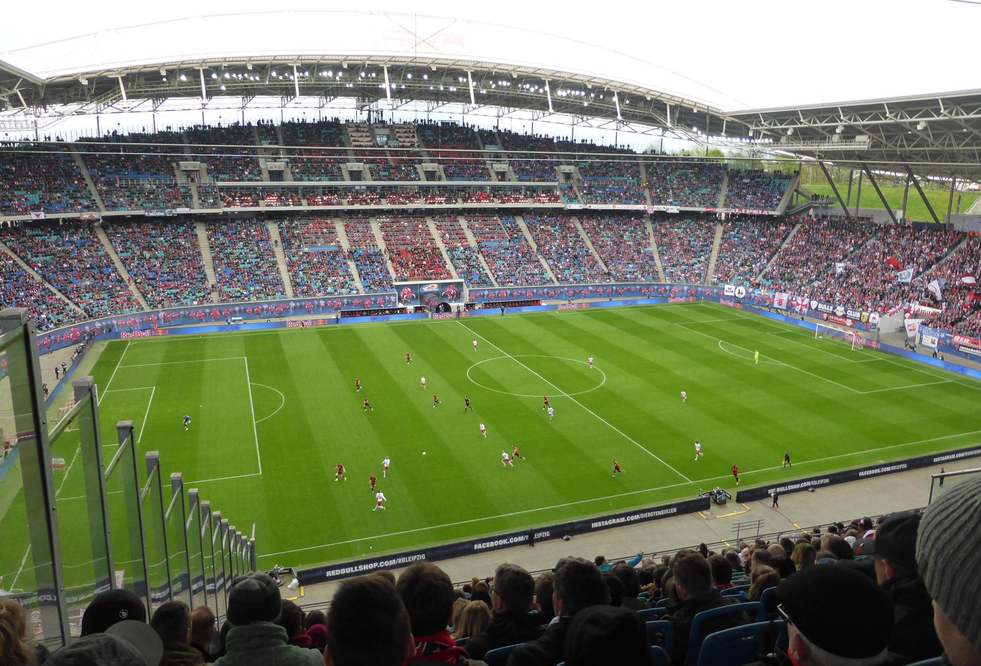 Voetbalwedstrijd van RB Leipzig bezoeken