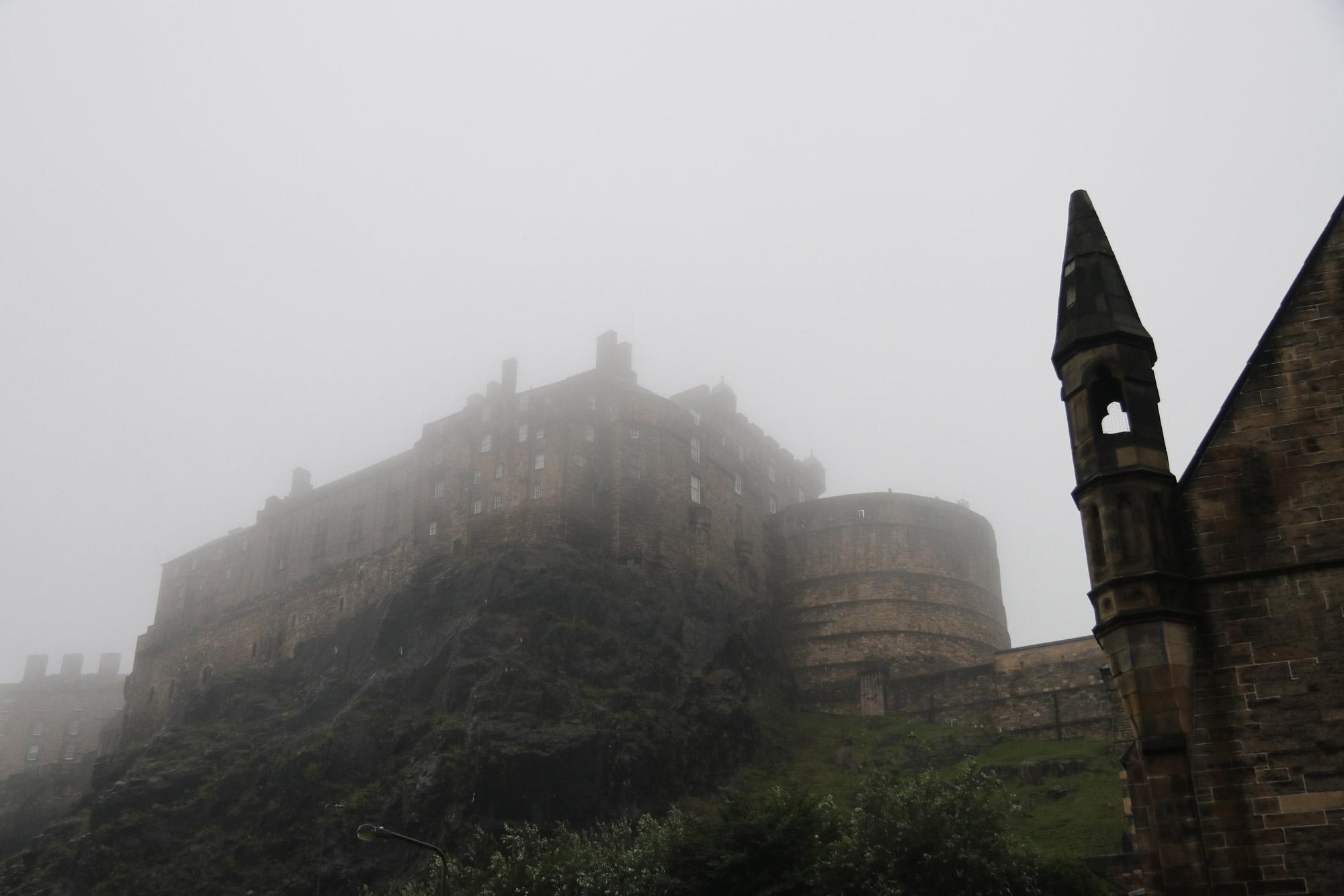 Mannenweekend Edinburgh - Het kasteel in de mist