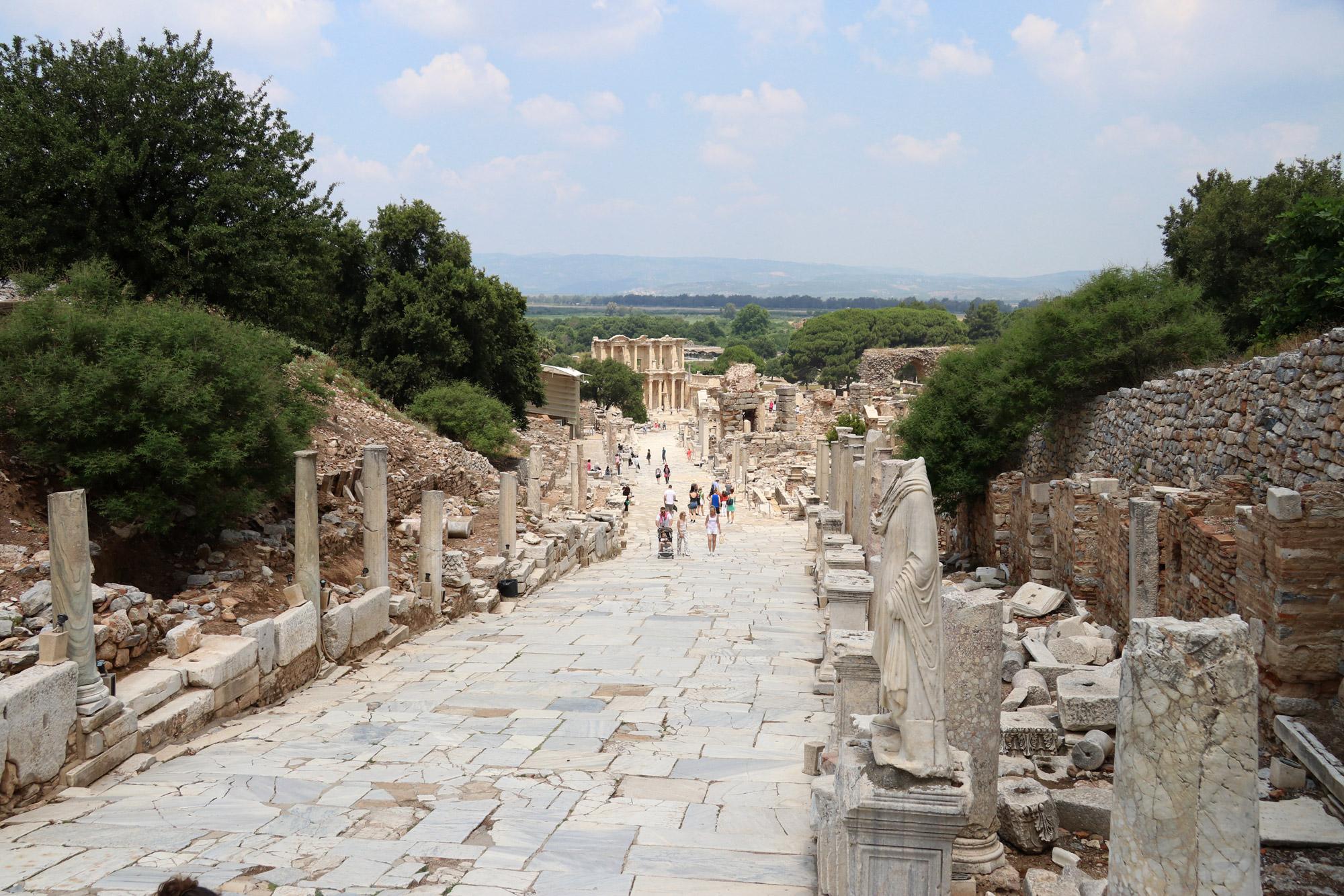 Turkije reisverslag: Efeze en Şirince - De zuilenstraat