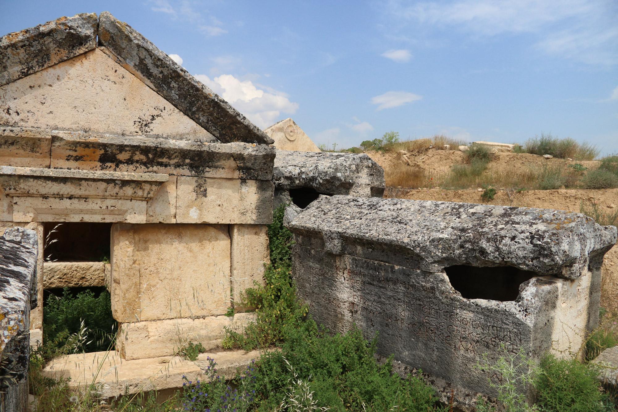Turkije reisverslag: Pamukkale en Hiërapolis - Graven van Necropolis