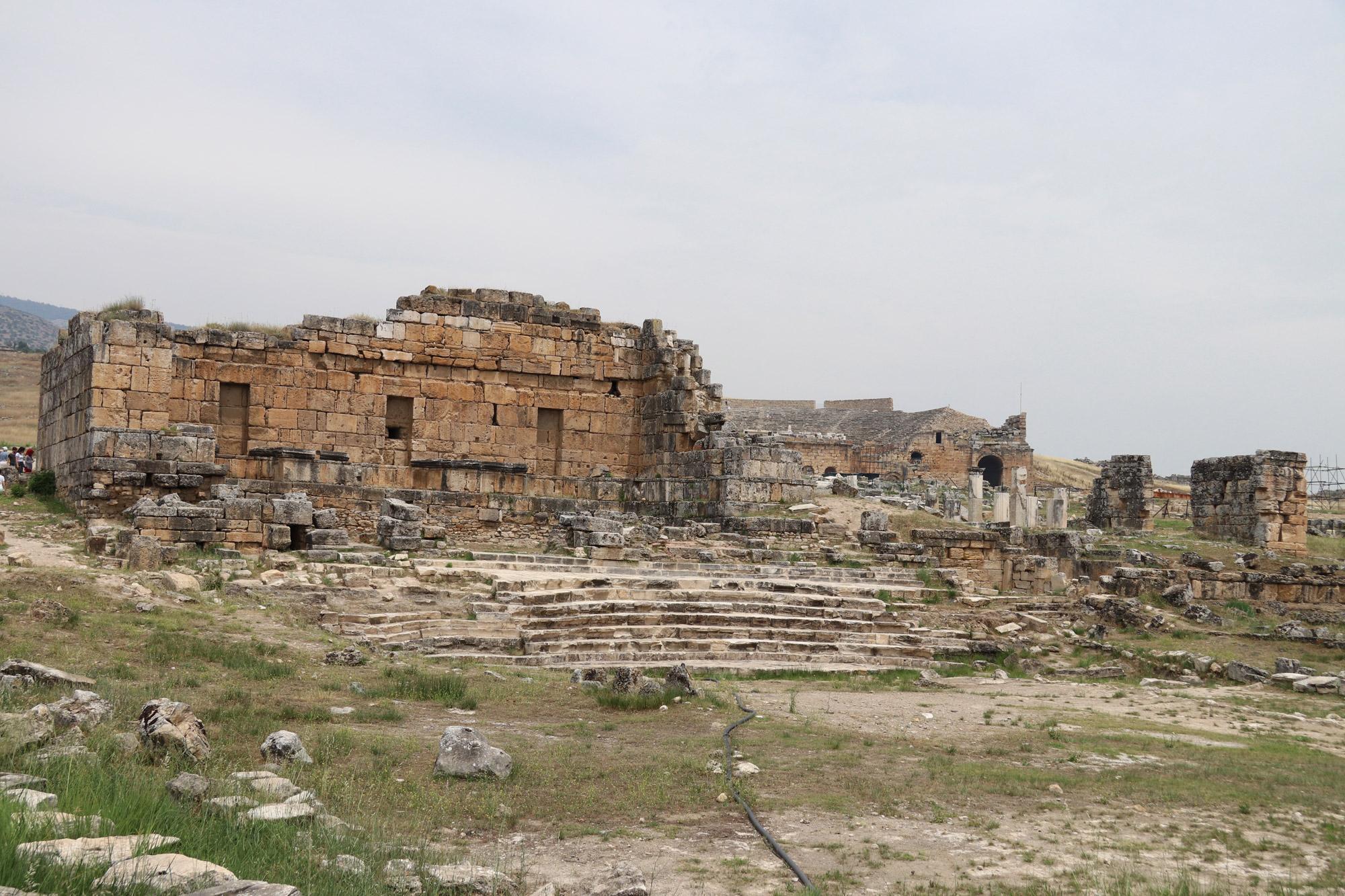 Turkije reisverslag: Pamukkale en Hiërapolis - Nymphaeum