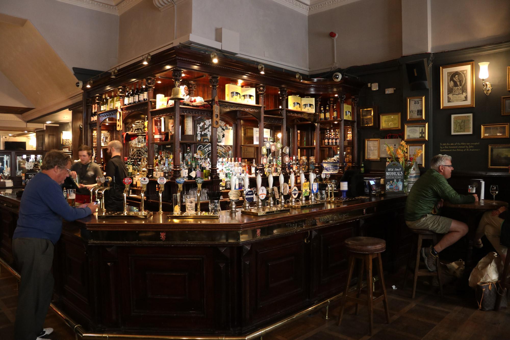Mannenweekend in Edinburgh - Typische Pub