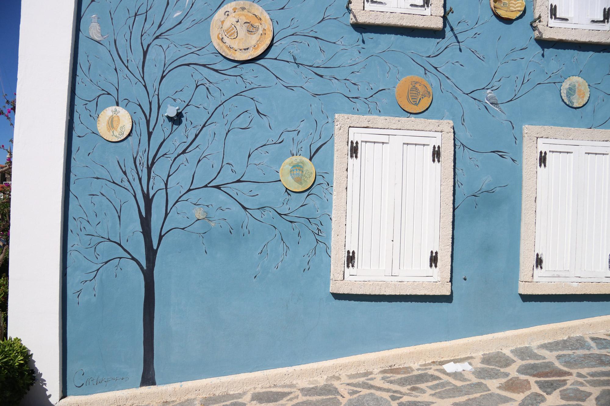 Turkije reisverslag: Laatste dag in Alaçatı - Muurschildering in Çeşme