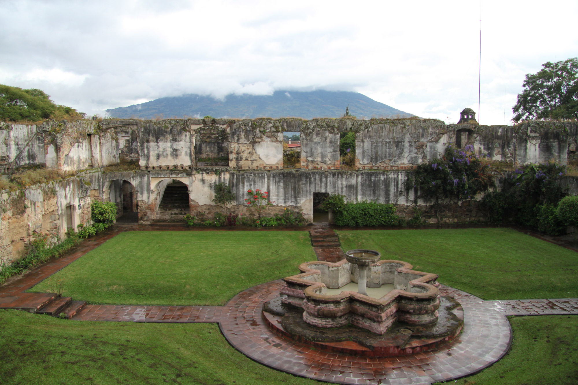 De ruïnes van Antigua - Colegio de San Jeronimo