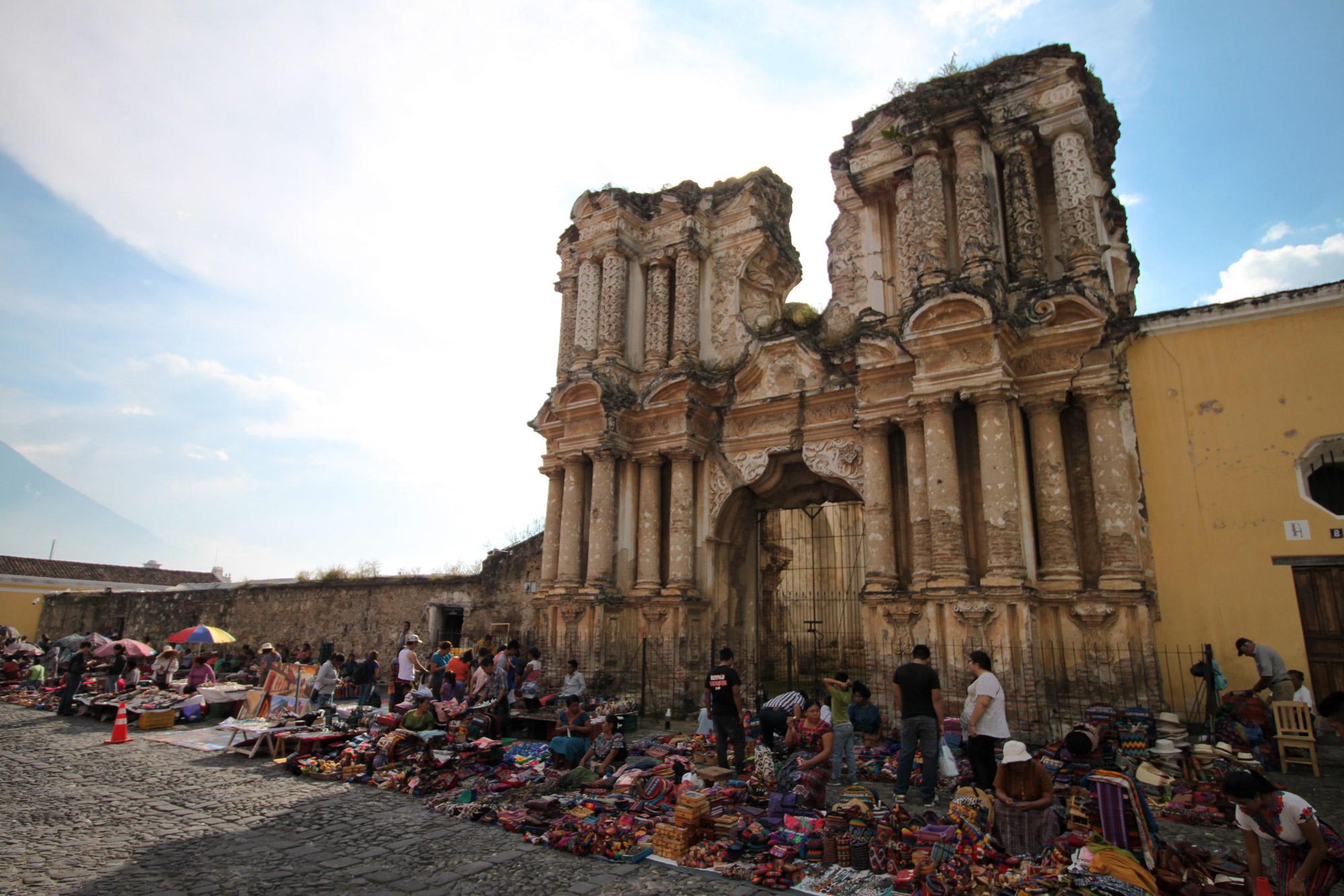 De ruïnes van Antigua - Iglesia de Nuestra Señora del Carmen