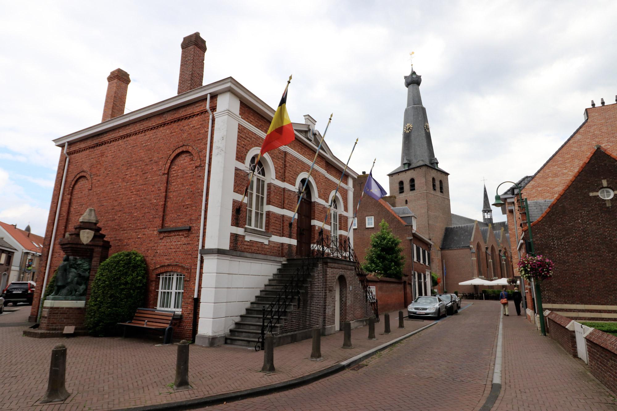 Een vreemd Nederlands/Belgisch dorp: Baarle - Het Heemhuis
