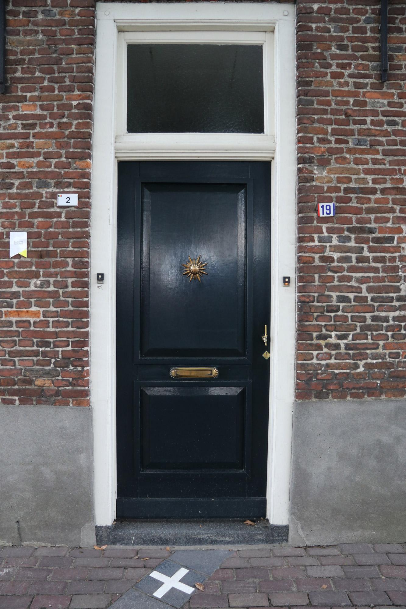 Een vreemd Nederlands/Belgisch dorp: Baarle - Een Nederlands en Belgisch huis