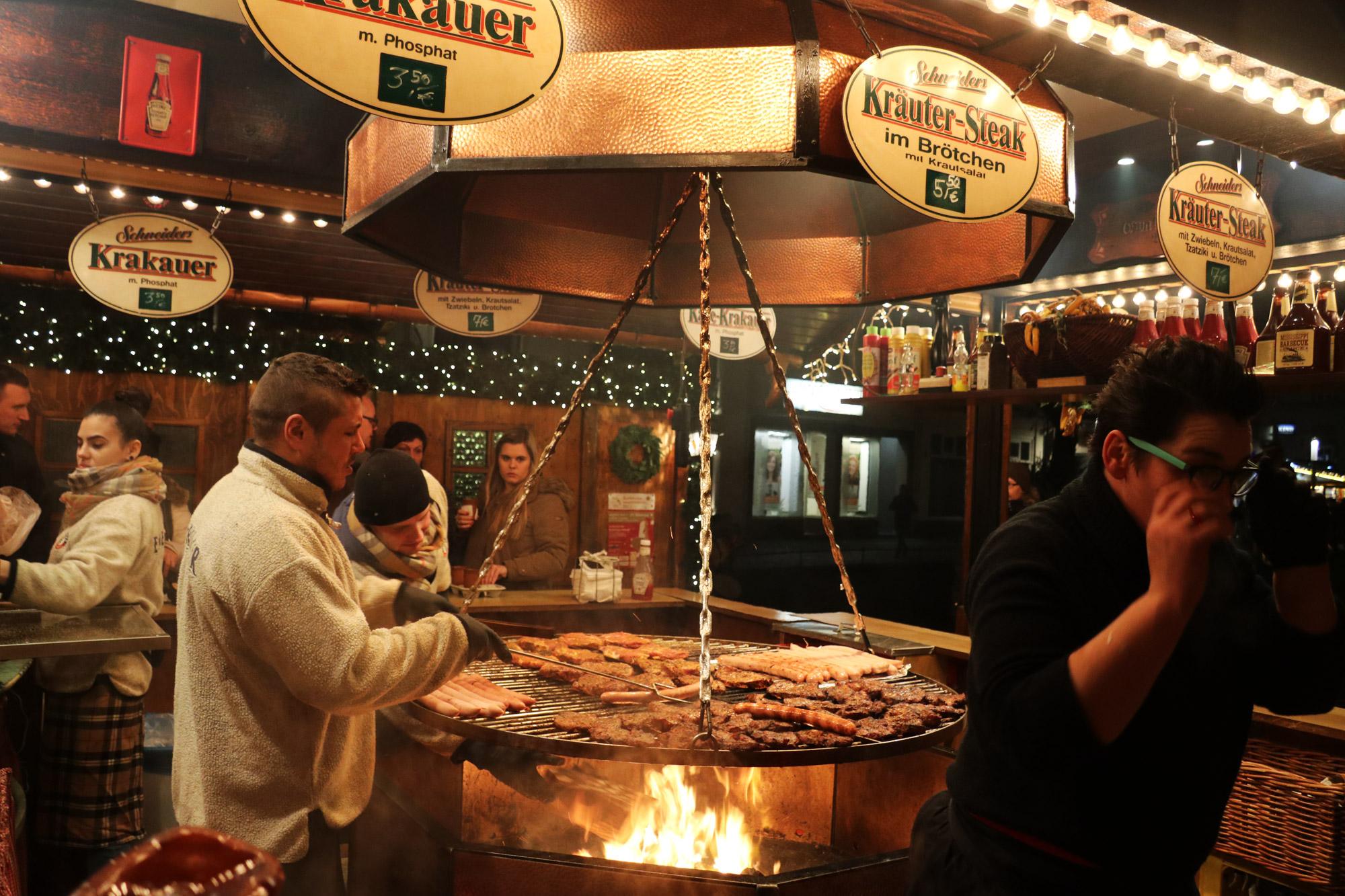 Bielefeld kerstmarkt - Bratwurst