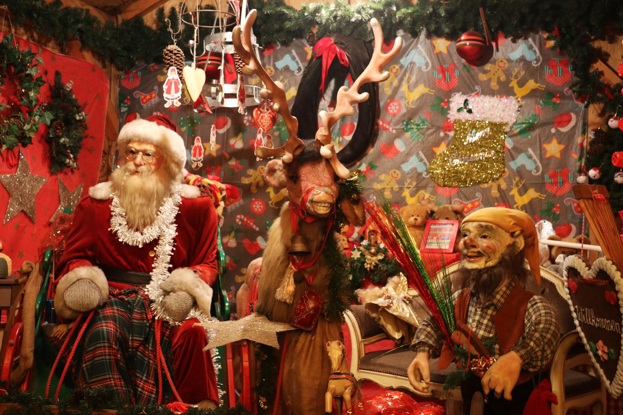 Bielefeld kerstmarkt - De kerstman spreekt
