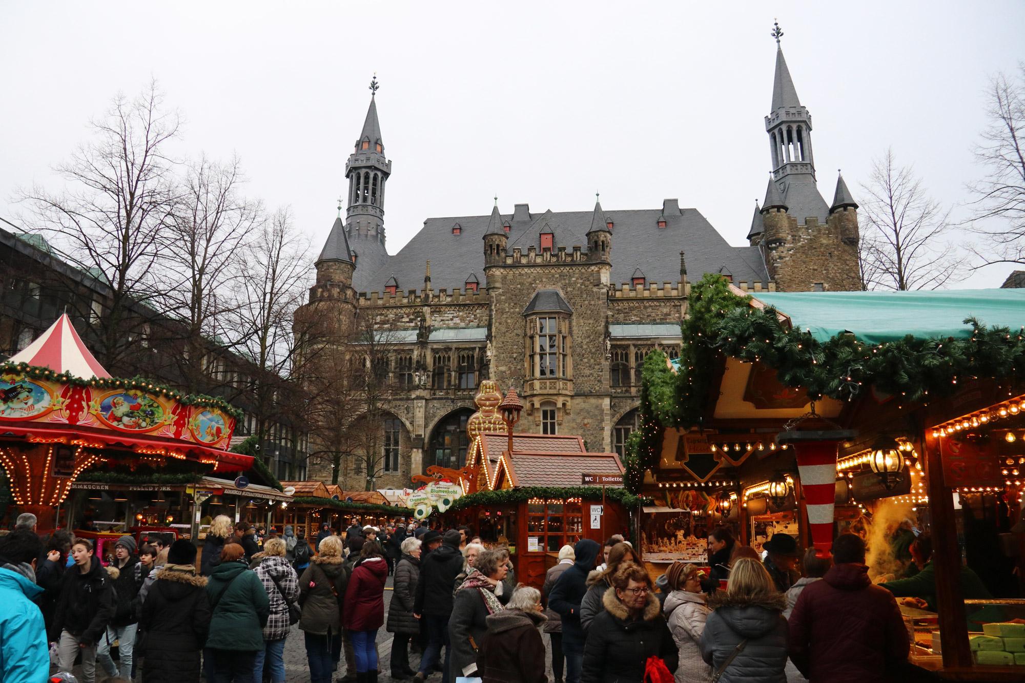 Kerstmarkt van Aken