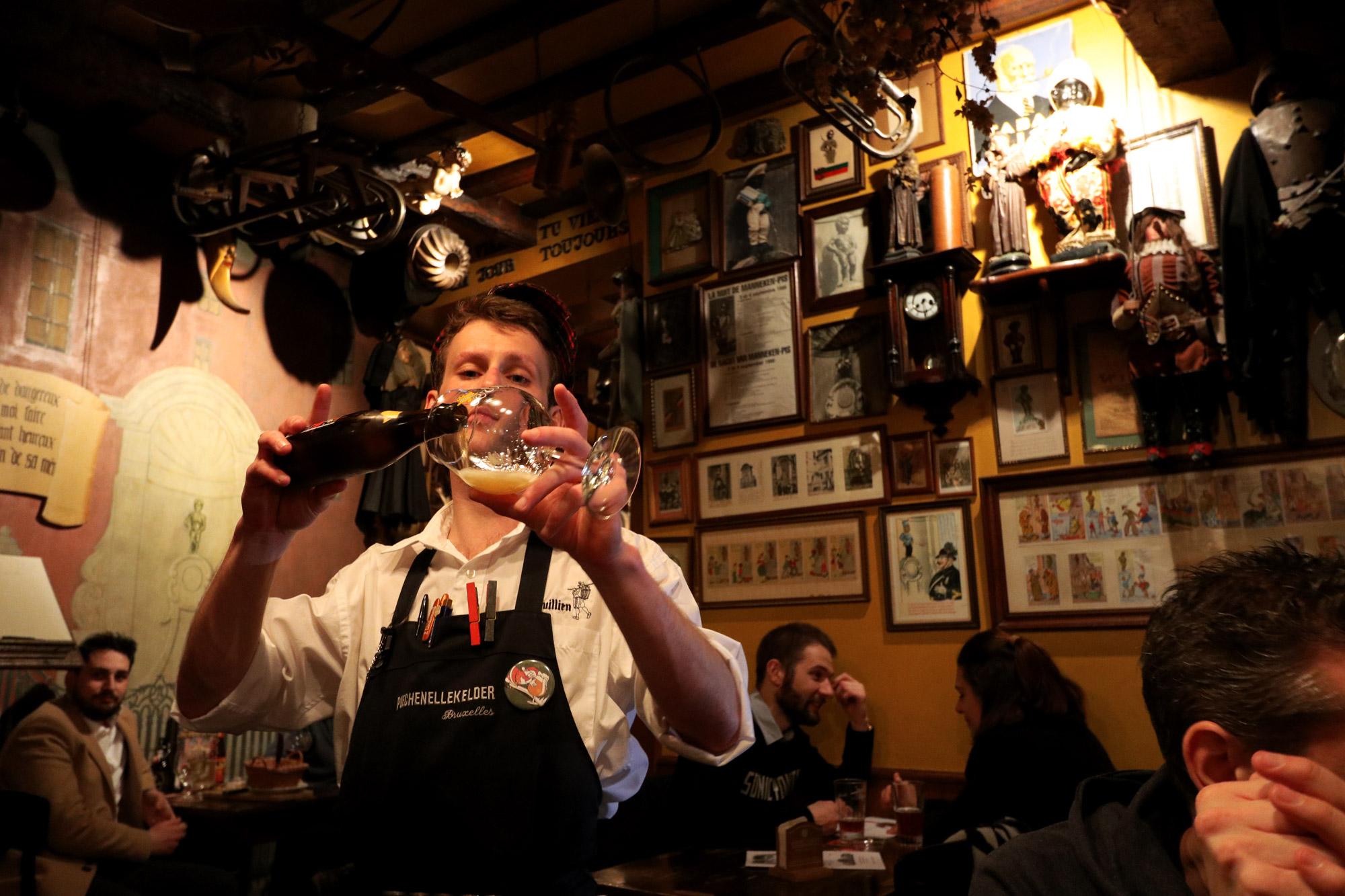 Top 5 leuke biercafés Brussel - Le Poechenellekelder
