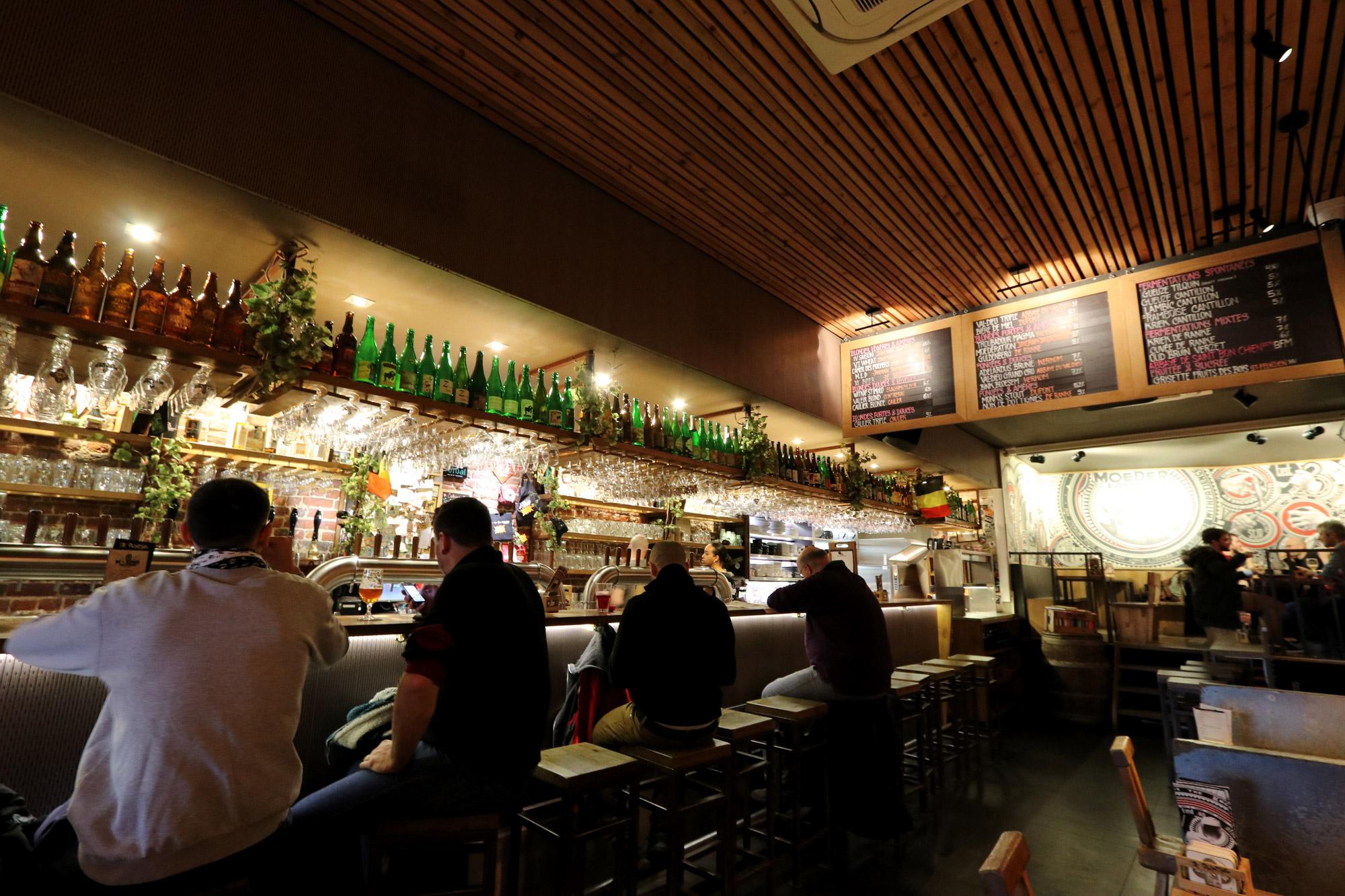 Top 5 leuke biercafés Brussel - Moeder Lambic