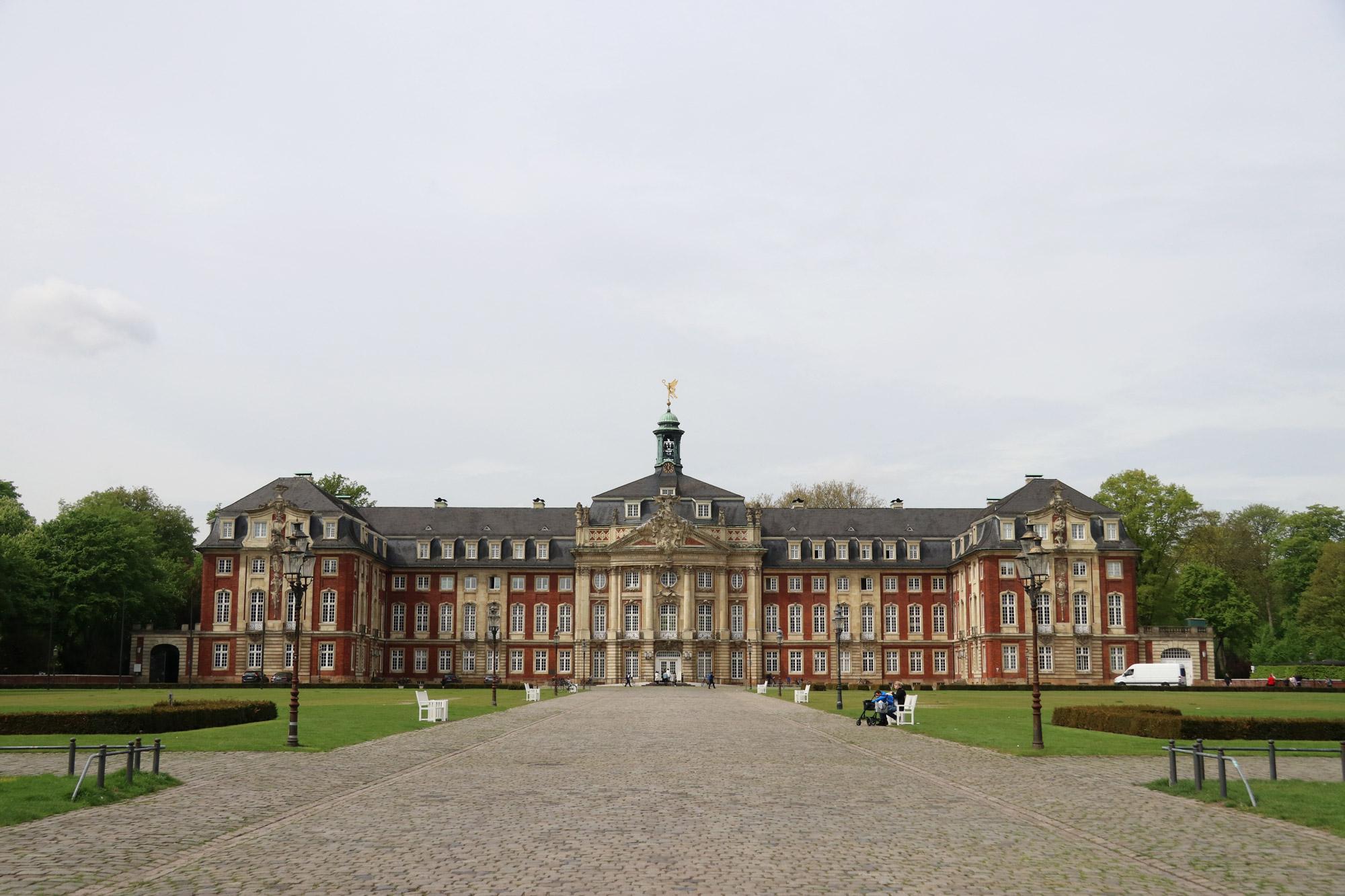 9x doen in Münster - Schloss Münster