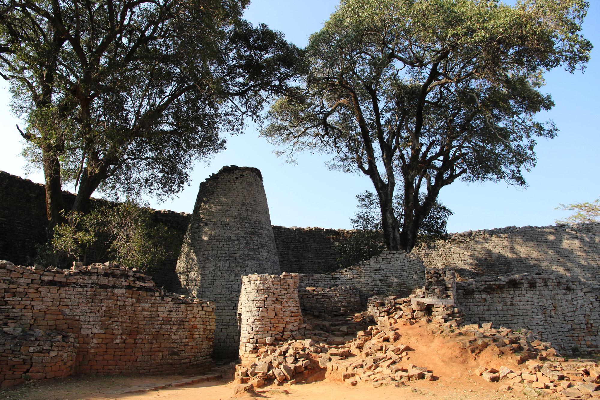 Noreen - Zimbabwe - Ruïnes