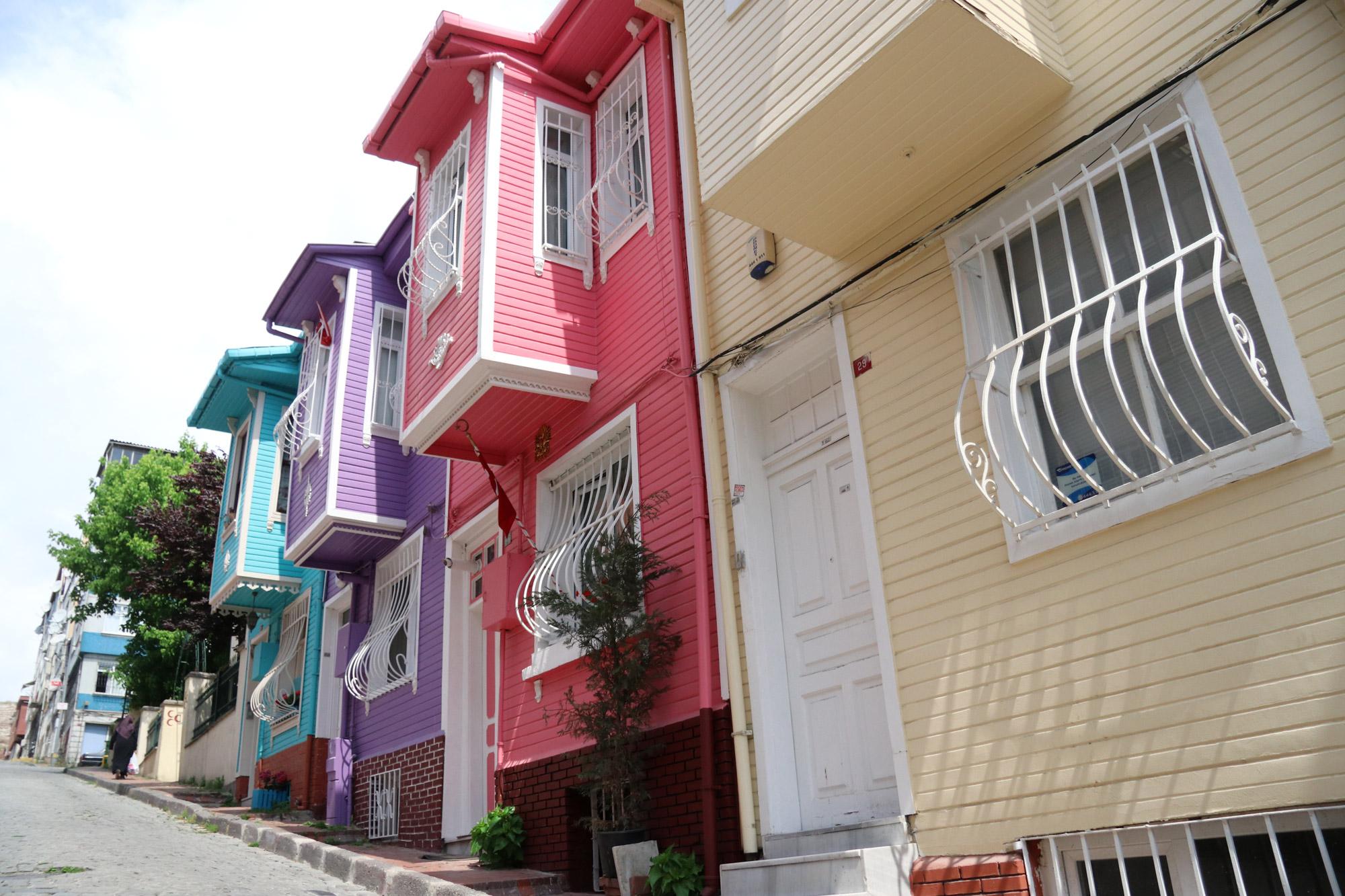 Stedentrip Istanbul - Kleurige huisjes in Kariye