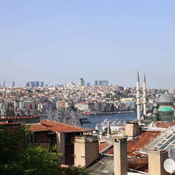 Stedentrip Istanbul: Uitzicht bij Under the roof café