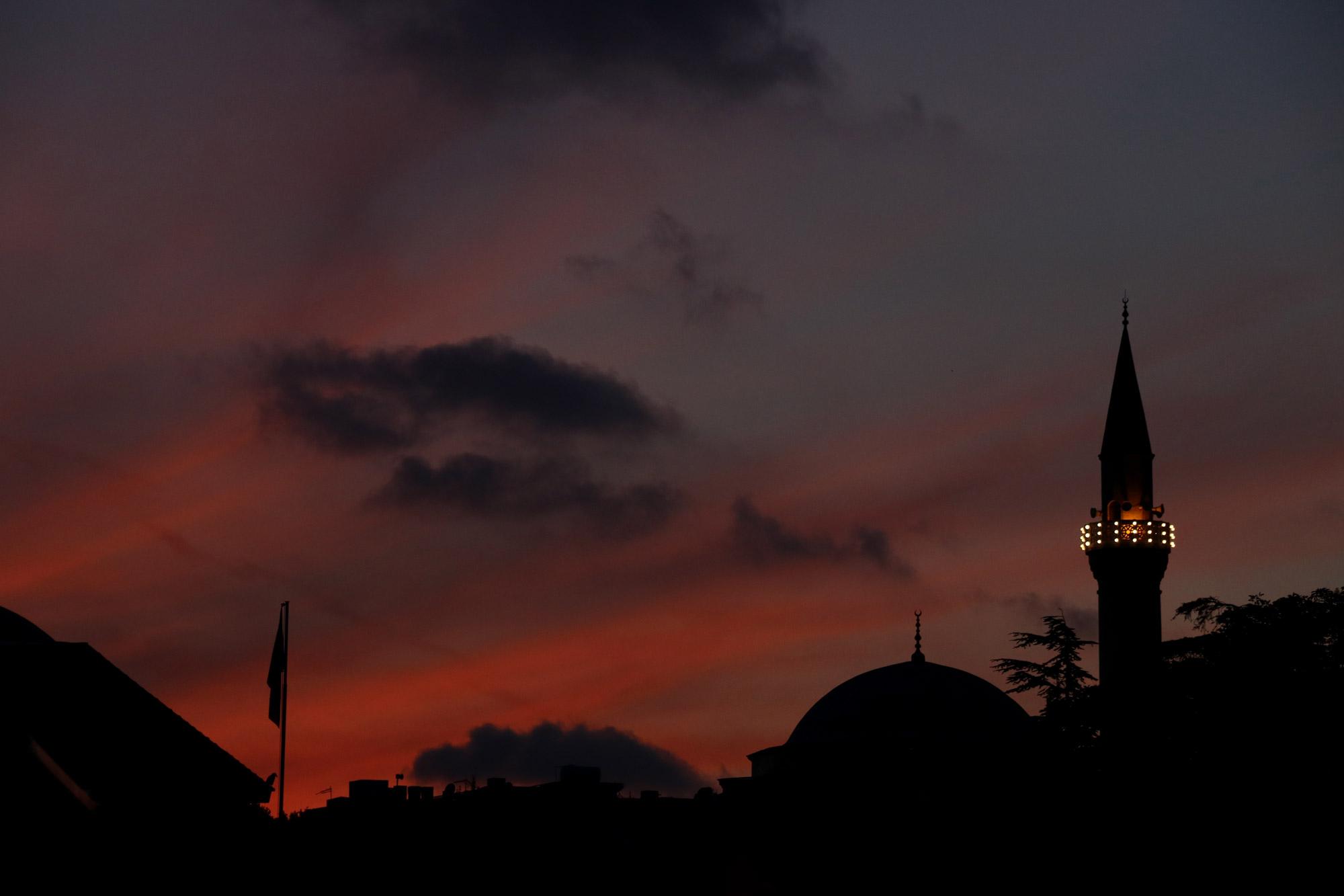 Stedentrip Istanbul - Zonsondergang bij de Firiz Aga Camii