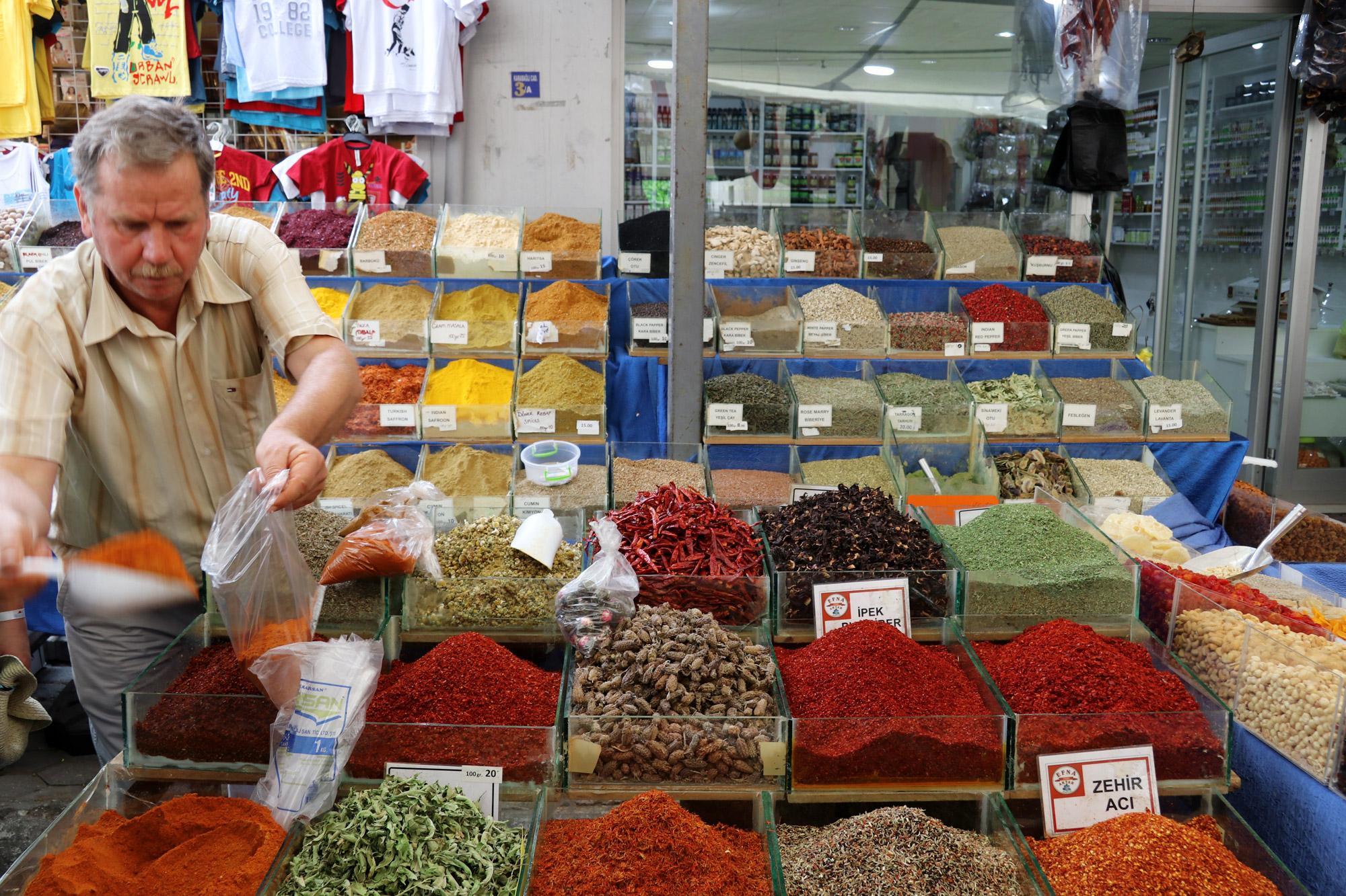 10x doen in Bodrum - De weekmarkt van Turgutreis
