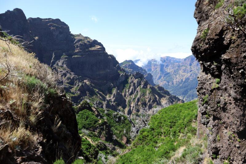10x doen op Madeira - hike van Pico do Arieiro naar Pico Ruivo en terug