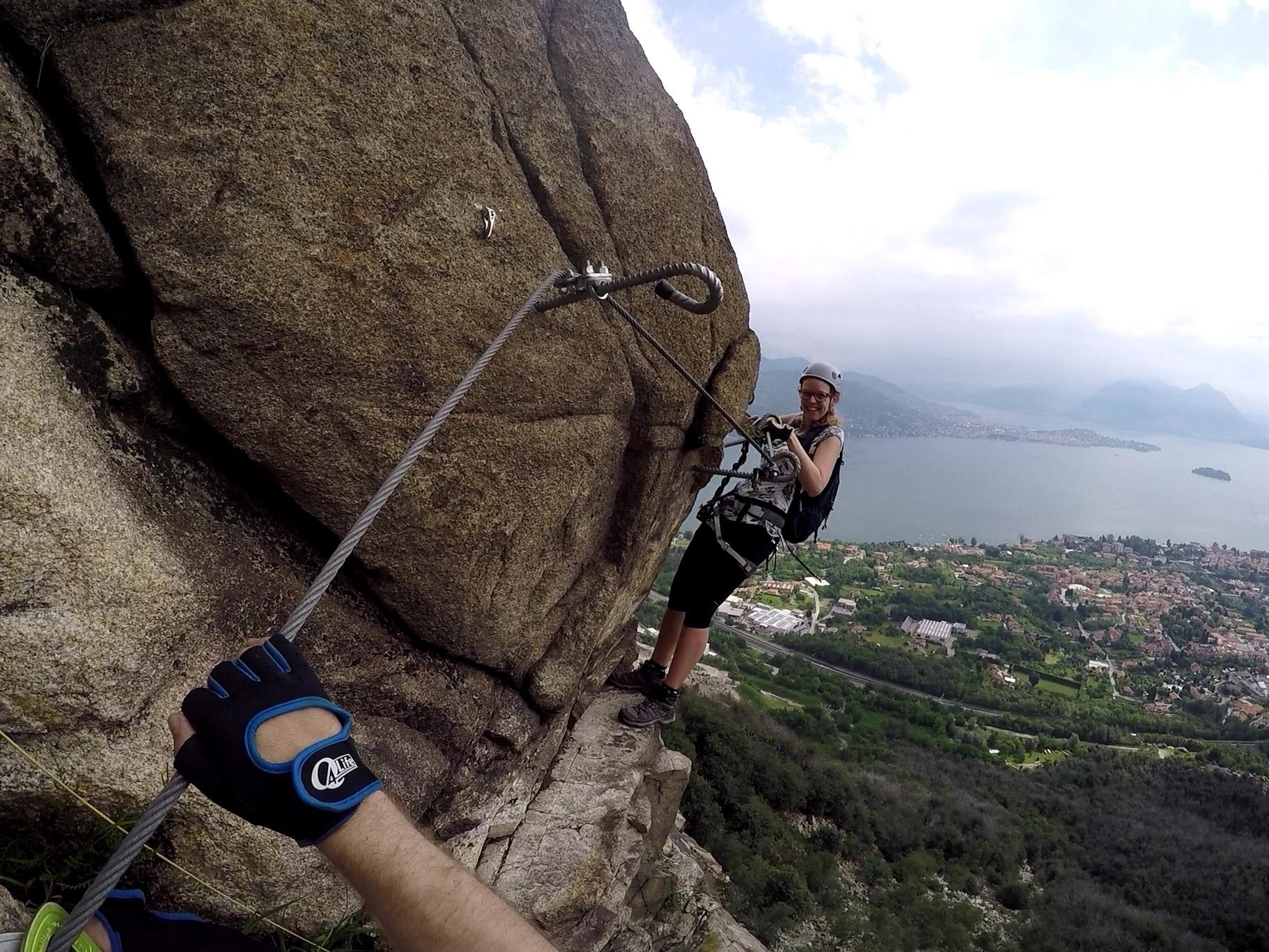 Uitzicht bij Lago Maggiore tijdens een route klettersteig