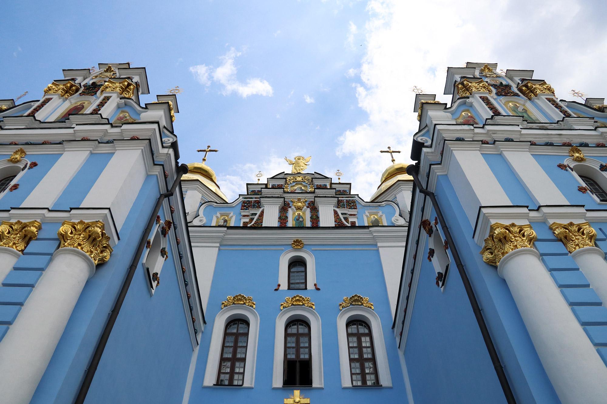 Blue Monday - Sint-Michielsklooster in Kiev