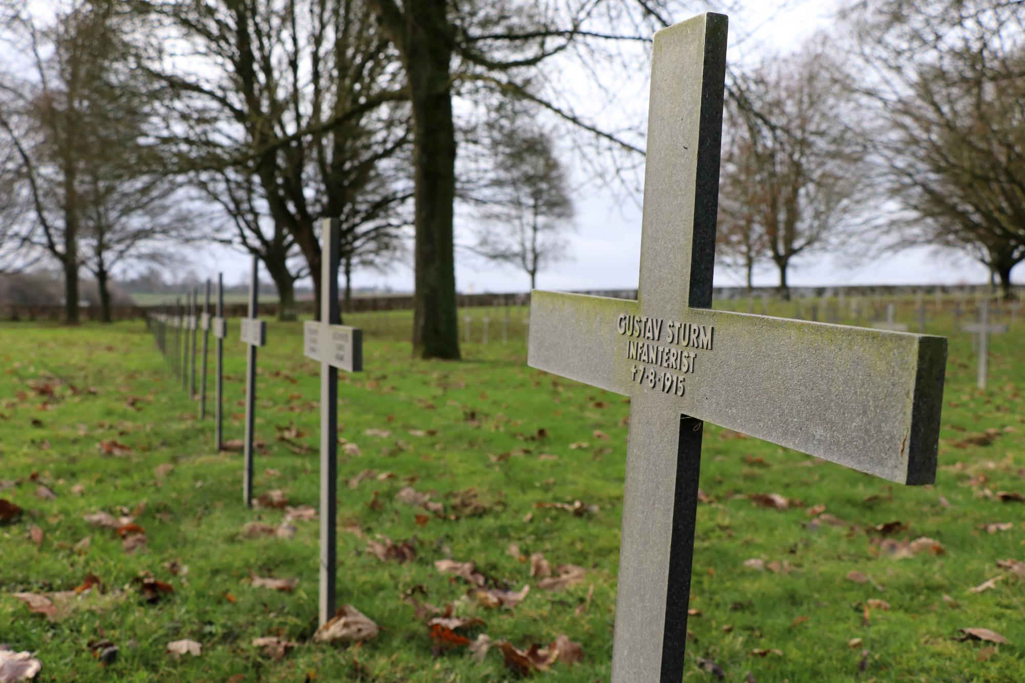 Stedentrip Arras - Duitse Militaire Begraafplaats