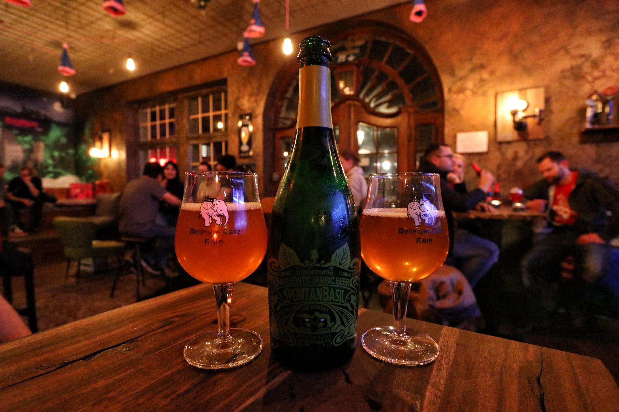 5 leuke biercafés in Keulen - Café Delirium Köln